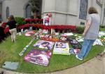 tn-gnp-photo-gallery-michael-jackson-fans-arri-001