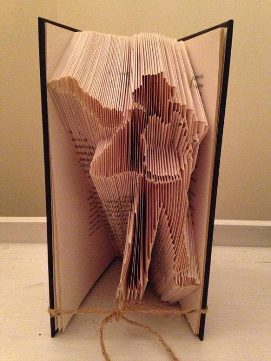 MJ book folding pattern via @MJ_1_0_1 . andjustice4mj